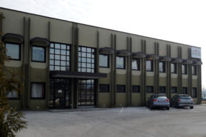Moving to a larger factory with 1.250 m<sup>2</sup> and 11 employees, starting business for the automotive industry.